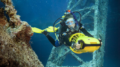 Photo of Diver Propulsion Vehicle (DPV) Diver diving course.