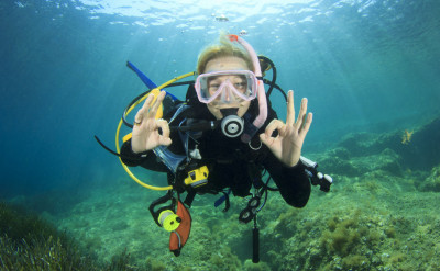 Photo of Advanced diving course.
