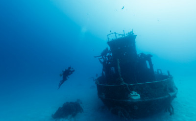 Photo of Underwater Navigator diving course.